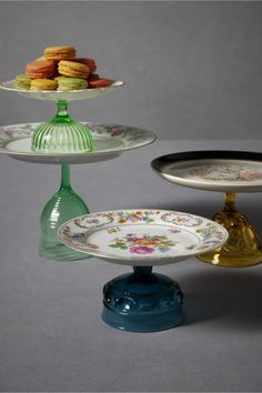 Vintage plates and sherbert dishes are used to construct these whimsical pedestals.