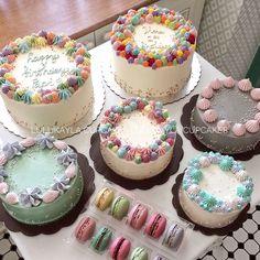 Buttercream Cake Designs, Buttercream Birthday Cake, Mini Cakes, Cupcake Cakes, Cake Business, Birthday Cake Decorating, Dessert Decoration, Bakery Recipes, Mini Desserts