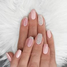 Want some ideas for wedding nail polish designs? This article is a collection of our favorite nail polish designs for your special day. Peach Nails, White Nails, Pink Nails, My Nails, Shellac Nails, Nail Manicure, Acrylic Nails, Nail Polish Designs, Nail Art Designs