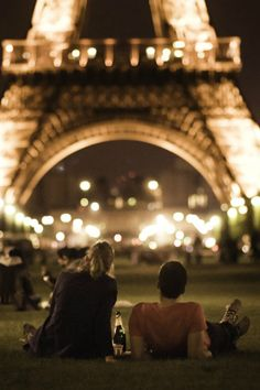 PARIS THIS WOULD BE THE PERFECT DATE SPOT