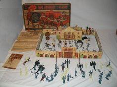 Mid 50s tin litho (from Marx) Davy Crockett Alamo set