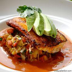 pescado del dia | mahi mahi · spaghetti squash · pico de gallo · coconut-curry ginger sauce  |  www.mayadelsol.com