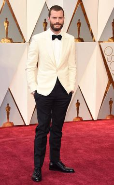 These are your best dressed men of the night.Jamie is looking like one dapper dude in this extra-spiffy, black-and-white suit.