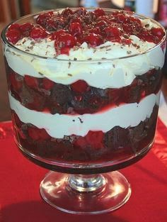 Forest Trifle with Duncan Hines and Comstock-Wilderness {Easy, easy and I get so many compliments for this!}Black Forest Trifle with Duncan Hines and Comstock-Wilderness {Easy, easy and I get so many compliments for this! Trifle Bowl Recipes, Trifle Dish, Trifle Desserts, Easy Desserts, Delicious Desserts, Yummy Food, Cherry Trifle Recipes, Oreo Trifle, Pampered Chef Recipes