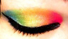 Gorg. Hot Topic eyeshadow.