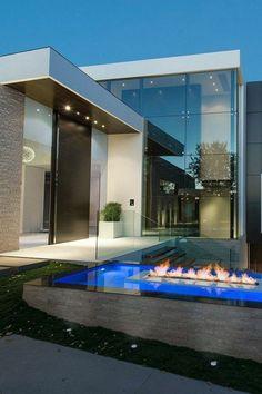 Luxury Modern Homes, Modern Mansion, Luxury Homes Dream Houses, Dream Home Design, Modern House Design, Contemporary Design, Modern Exterior, Exterior Design, Modern Architecture House