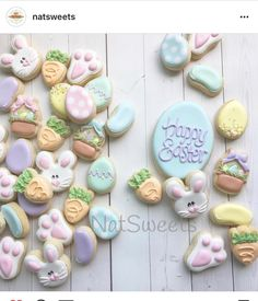 """165 Likes, 3 Comments - Judit Reding (@thesweetdesignsshoppe) on Instagram: """"I can't stop staring at these super cute mini cookies. @natsweets is amazing! And her minis are…"""""""