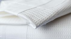A beautiful collection of soft waffle cotton bedding in white luxury percale cotton. This stylish range of pillowcases and duvet covers is available online. Super King Duvet Covers, Bed Company, White Bedrooms, White Duvet Covers, Birthday List, White Bedding, Cotton Bedding, Simple House, Scandinavian Style