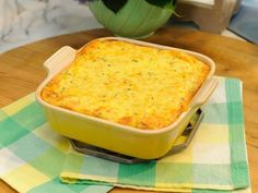 Sunny's Easy Baked Sweet Corn recipe from Sunny Anderson via Food Network (Season 8 -- Southern Comforts) Vegetable Side Dishes, Vegetable Recipes, Chicken Recipes, Kitchen Recipes, Cooking Recipes, Braai Recipes, Sweet Corn Pudding, Sweet Corn Recipes, Easy Recipes