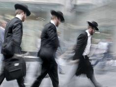 #Rabbis #judaisme - http://carolineplume.suite101.fr/le-judaisme-au-quotidien--prieres-alimentation-symboles-a32293