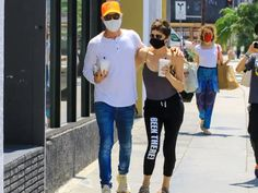 Photos of celebrities wearing masks show they're just like us - Insider Mary Katherine Gallagher, Molly Shannon, Allison Janney, Selma Blair, Michael Keaton, Aubrey Plaza, Celebrity Faces, Phil Collins