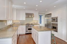What an outstanding light, bright and open #kitchen which is truly the heart of the home! Featuring #Viking stainless steel appliances, leathered granite counters and a dinette area, this is the perfect place to entertain friends or family! #98elevenlevelsroad #ridgefield #connecticut #thechipneumannteam #neumannrealestate #ctrealestate #ctlistings #beautifulhomes #forsale