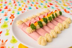 Tormakrémes sonkatekercs recept Eat Pray Love, Hungarian Recipes, Lamb, Catering, Sushi, Side Dishes, Chicken Recipes, Bacon, Appetizers