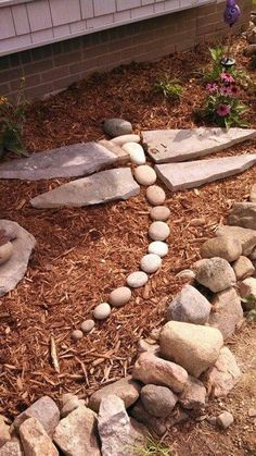 Dragonfly Rock art DIY Garden Yard Art When growing your own lawn yard art, recycled and up cycled m Garden Yard Ideas, Diy Garden, Garden Crafts, Garden Paths, Lawn And Garden, Garden Projects, Rock Garden Art, Rock Garden Design, Backyard Ideas