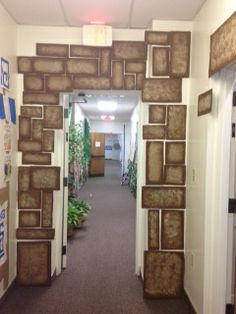 Doorway entering hallway to classrooms - ostern Christmas Classroom Door, Classroom Decor, Tropical Island Crafts, Christmas Stage Design, Vbs Themes, Vacation Bible School, Building For Kids, Light Of The World, Sunday School