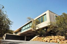 House Gauché - PIA Award 2013 - The building in Silver Lakes - of steel, glass and concrete - is carefully placed in respect of the site, bridging two indigenous outcrops. Silver Lake, Residential Architecture, Lakes, Respect, Concrete, Inspirational, Steel, Building, Interior