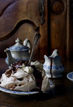 chocolate swirl meringues #brown