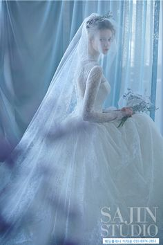 Luxury Wedding Dress, Wedding Veils, Wedding Dress Styles, Bridal Dresses, Dream Wedding, Princess Of England, Beauty Photography, Wedding Photography, Pre Wedding Photoshoot
