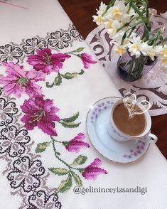 Cross Stitch Borders, Cross Stitch Flowers, Cross Stitch Designs, Hand Embroidery, Hgtv, Counted Cross Stitches, Cross Stitch Embroidery, Towels, Embroidery Stitches