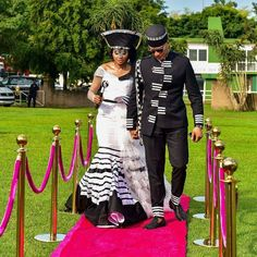 African Traditional Wedding Dress, Traditional Dresses Designs, African Fashion Traditional, Traditional Outfits, Traditional Weddings, African Wedding Attire, African Attire, African Weddings, African Tops For Women