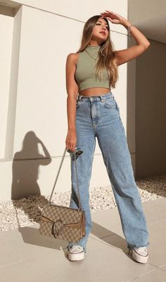 Bild Outfits, Uni Outfits, Basic Outfits, Teen Fashion Outfits, Mode Outfits, Everyday Outfits, Look Fashion, Outfits With Jeans, Mom Jeans Outfit Summer