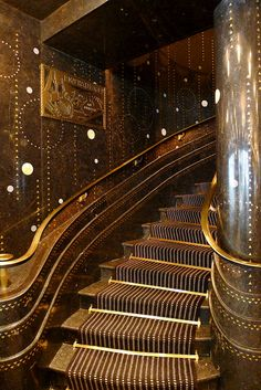 art deco furniture 1924 art deco staircase at Restaurant Prunier, Paris Architecture Art Nouveau, Art And Architecture, Architecture Details, Arte Art Deco, Estilo Art Deco, Art Deco Stil, Art Deco Home, Art Deco Decor, Art Deco Paris