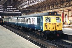 Railway Herald  :: Imaging Centre :: 304002 at Manchester Piccadilly