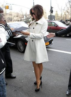 Coat - Kate Beckinsale | LUUUX