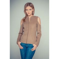 Gosia Strojek - beige jacket