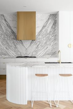 Fluted, Ribbed, Scalloped and Battened MDF panels. Apartment Interior, Kitchen Interior, Modern Interior, Interior Design, Timber Battens, Timber Panelling, Timber Kitchen, Kitchen Benches, White Kitchen Island