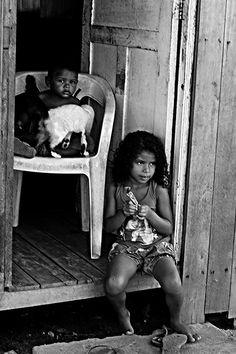 https://flic.kr/p/vL9ayH | Street Photography. Barca Village. Vila da Barca. Fotografia de Rua. Photographer: Luxã Nautilho. Belém, Pará, Brasil | Street Photography. Barca Village. Vila da Barca. Fotografia de Rua. Photographer: Luxã Nautilho. Belém, Pará, Brasil