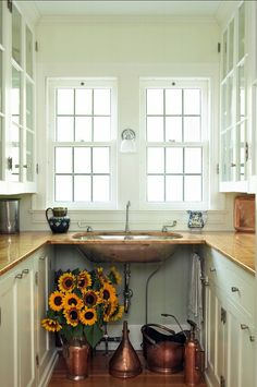 Butler's Pantry. Inspiring Butler's Pantry Design. #ButlersPantry #Pantry