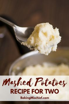 Simple and easy Mashed Potatoes for Two made with one pot and one potato for a q. - Simple and easy Mashed Potatoes for Two made with one pot and one potato for a quick and easy side - Cooking For One, Batch Cooking, Fun Cooking, Cooking Recipes, Skillet Recipes, Cooking Gadgets, Veg Recipes, Asian Recipes, Vegetarian Recipes