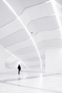 *Architecture, modern interiors, minimalism, white, lighting* - Te están vigilando by Elenita