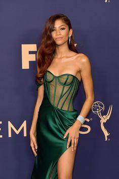 Zendaya Graced the Emmys Looking Like a Sexy Princess Ariel — No Prince Eric Required Stunning. Zendaya Dress, Zendaya Outfits, Zendaya Style, Zendaya Clothes, Zendaya Red Hair, Zendaya Model, Zendaya Coleman, Brian Atwood, Moda Zendaya
