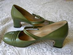 1960s Vintage Green MARY JANES High Heel Shoes Made in Spain Strawbridge & Clothier