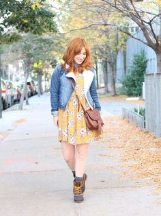 TfDiaries By Megan Zietz: How To Wear Duck Boots in our Mustard Floral Babydoll Dress    Shop it here //  https://thestyletheory.com/product/mustard-floral-babydoll-dress/