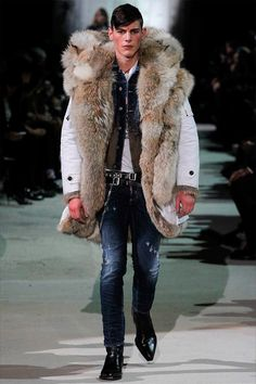 Dsquared² Fall 2015 Menswear Fashion Show Collection: See the complete Dsquared² Fall 2015 Menswear collection. Look 8 Fur Fashion, Milan Fashion, Fashion Show, Mens Fashion, Fashion Design, Fashion Trends, Runway Fashion, Gq, Mens Fur