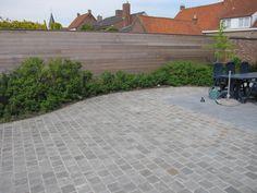terras in kandla grey en arduin gotiek door Tuinen Ameel