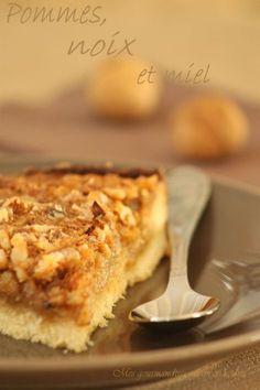 Tarte d'automne (pommes, noix et miel). Testée : poires, noisettes-pistaches, miel.