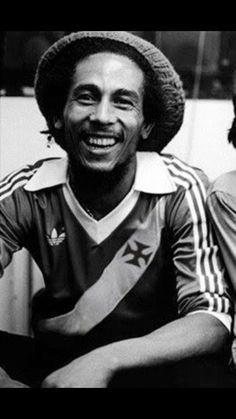242b8b219a Bob Marley com a camisa do Vasco. Clube de Regatas Vasco da Gama.