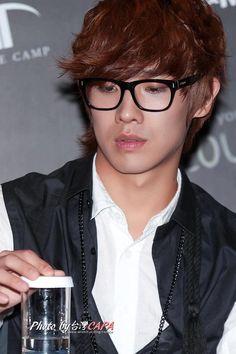 Joonie appa :D Hot Korean Guys, Korean Men, Let Me Love You, You're My Favorite, Lee Joon, Asian Actors, Kpop Boy, Make Me Smile, Kdrama