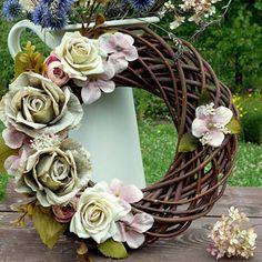 Okno do zahrady_věnec na dveře_30 cm Summer Wreath, Grapevine Wreath, Grape Vines, Floral Wreath, Wreaths, Decor, Floral Crown, Decoration, Door Wreaths