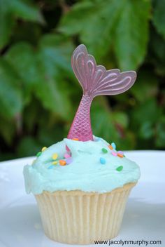 Hey, I found this really awesome Etsy listing at http://www.etsy.com/listing/108290323/mermaid-cupcake-toppers-set-of-6-pink