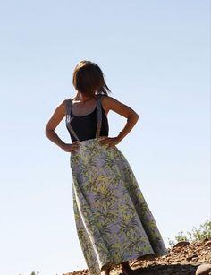 Falda con tirantes . Diseñado y producido en España