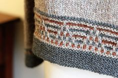 1 Ravelry: Harkening Hill-Muster von Laura Aylor – Einfaches Handwerk knitting to give you a better service we recommend you to browse the content on our site. Sweater Knitting Patterns, Knitting Designs, Knitting Stitches, Knit Patterns, Knitting Projects, Knitting Supplies, Knitting Ideas, How To Start Knitting, Square Patterns