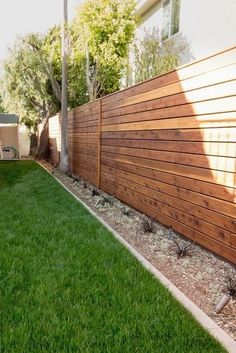 Minimal modern style side yard with wood fencing. Studio H Landscape Architecture. Los Angeles Orange County Architect. garden design, landscaping ideas  #landscapingarchitecture