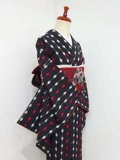 ■ガールズ■レトロ!!ブラック*ドット繋ぎ♪お召し 正絹袷 裄63丈151 - アンティーク着物や現代着物なら雅星本店 Yukata, My Style, Shopping, Clothes, Fashion, Kimonos, Outfits, Moda, Clothing