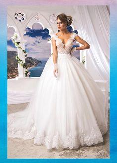 #Mimmagiò#Atelier #Atelier #Abiti #AbitoDaSposa #WeddingDress #WeddInginItaly #Moda #Matrimonio #Sposa #Bride #Fashon #CoutureBride #TuttoSposi #Fiera #Wedding #Campania Lace Wedding, Wedding Dresses, Bride, Fashion, Atelier, Bride Dresses, Wedding Bride, Moda, Bridal Gowns