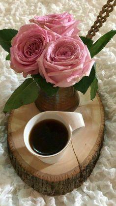Coffee and flowers Coffee Gif, I Love Coffee, Coffee Quotes, Coffee Break, Best Coffee, My Coffee, Coffee Cups, Chocolate Caliente, Hot Chocolate
